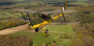 Cotswolds Vintage Tiger Moth Experience